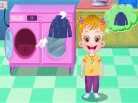 تنظيف الطفل العسلي لملابسه